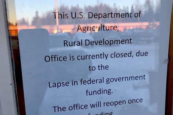 15320013_web1_shutdown.jpg